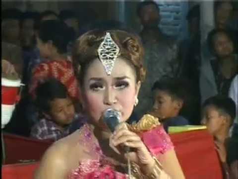 Sakitnya Tuh Disini - Cita Citata - Eva Kharisma - Sangkuriang - Pady video