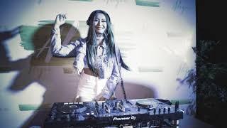 DJ AISYAH JATUH CINTA PADA JAMILAH VS AKIMILAKU SPESIAL TIK TOK 2018 MANTAP JIWA PALING ENAK SEDUNIA