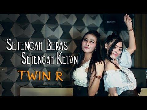 Download Twin R - Setengah Beras Setengah Ketan    Mp4 baru