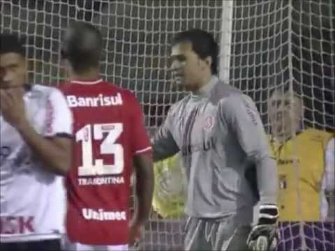 Muriel defesas do goleiro do Inter