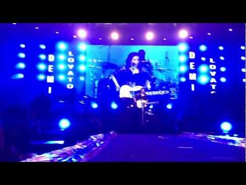 La La Land - Demi Lovato Live In Malaysia 22 03 13 video