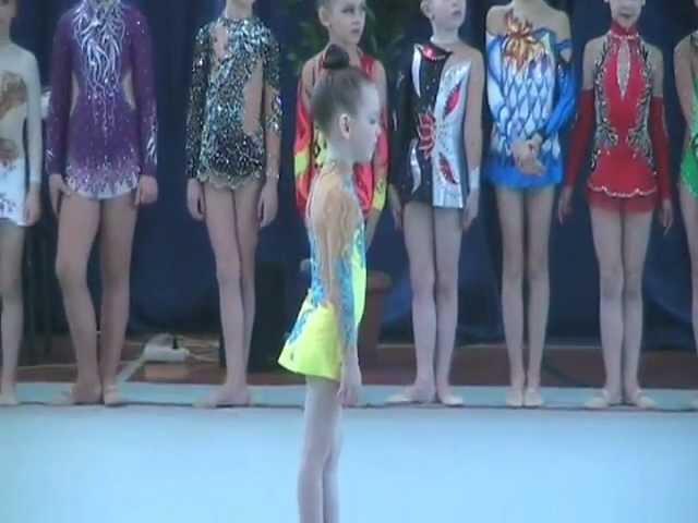 Общеразвивающая гимнастика для детей 5-6 лет. Показательные, художественна