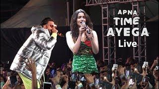 Alia Bhatt And Ranveer Singh Live Rap Performance Apna Time Ayega With Huge Crowed