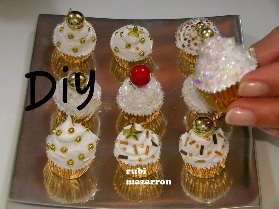 Diy cupcakes de navidad para el arbol manualidades for Adornos colgar pared