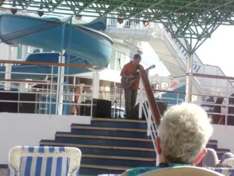 CHIELI MINUCCI live acoustic performance
