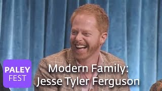 download lagu Modern Family - Jesse Tyler Ferguson Can't Stop Laughing gratis