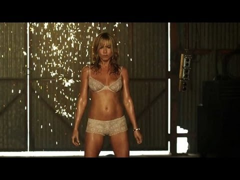 Jennifer Aniston Strips and Pole Dances in We're the Millers Trailer | POPSUGAR News