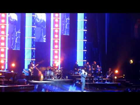 Michael Bublé - Haven't Met You Yet (Live at Staples Center, Los Angeles, 04.09.10)