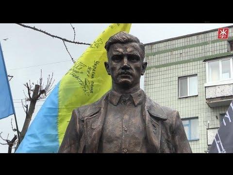 Перший в Україні пам'ятник Олегові Ольжичу відкрили у Житомирі