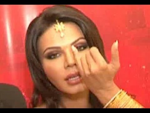 Rakhi Sawant Makes Fun Of Katrina Kaif's Chikni Chameli video