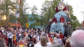 Giant Puppets - Liverpool