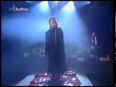 Alison Moyet - Weak In The Presence Of Beauty 1987 live