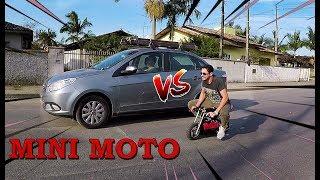 RACHA DE MINI MOTO vs CARRO DE ESTRANHO NA RUA