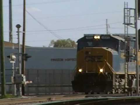 CSX O831-08 passes through after P092-08 headed north to Lakeland. Leading the train are: SD70M-#4693 SD70M-#4688 (aka The Spirit of Tampa) Sorry about my vi...