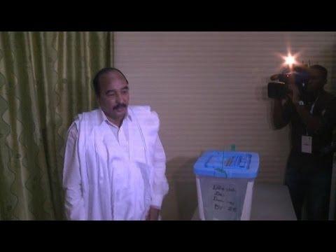 Mauritanie: Ould Abdel Aziz, favori, a voté