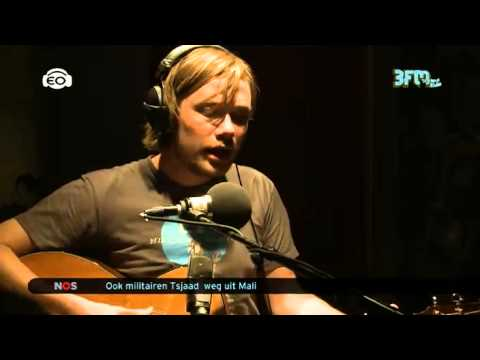 [Xnoizz] 1uur service: Kim Janssen - Make Me Belong 14-04-2013