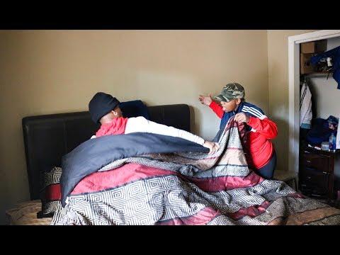 HAVING SEX IN MY MOMS BED PRANK !! thumbnail