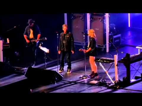 Metric ft Lou Reed - Wanderlust, Pale blue eyes@Radio City Music Hall NY, 23.09.2012