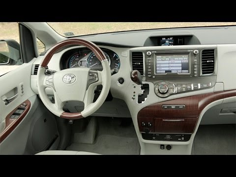 2014 Toyota Sienna Interior Review