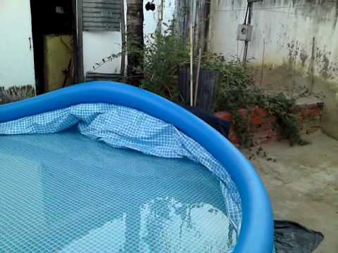 Video da piscina 10mil litros avi youtube for Plastico para piscinas desmontables