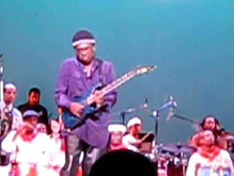 Blackbyrd McKnight performing with Chango en Paris at UCLA Royce Hall