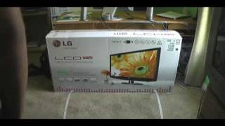 Unboxing  LG LH20 LCD TV