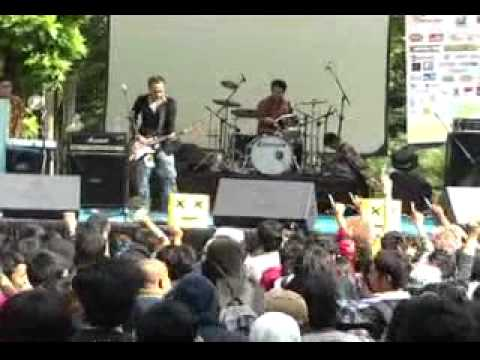 Obake - Good Luck My Way (Larc-en-Ciel cover)@ Gelar Jepang UI 2011
