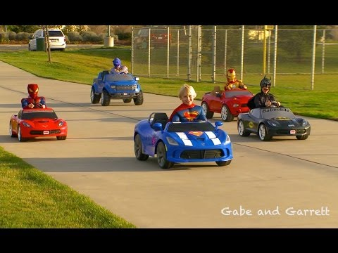 Superheroes Mega Power Wheels Race - 5 Heroes!