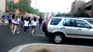 Thumb Justin Bieber escapa de sus fans en un Segway y falla en el intento