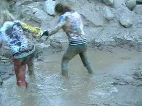 MessyModel: Laura and Kitto in paint and wet mud