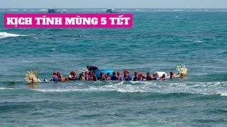 Đua Thuyền Lý Sơn Mùng 5: Thuyền Rồng Bị Sóng Đánh Chìm, Kịch Tính Phút Cuối