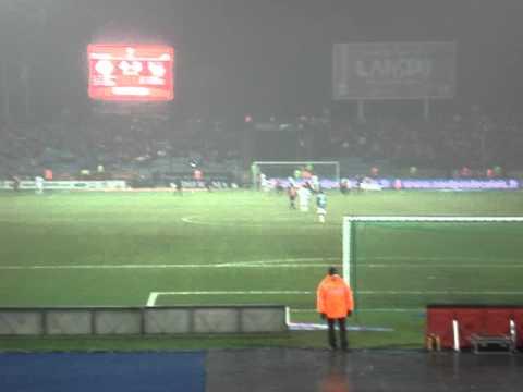 Et soudain, c'est le drame!!! A la dernière minute du tps additionnel, et comme contre Lorient, le pire arriva, c'est-a-dire la perte de la place du champion...