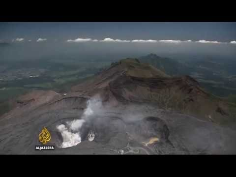 Earthquakes jolt Japan's volcano tourism