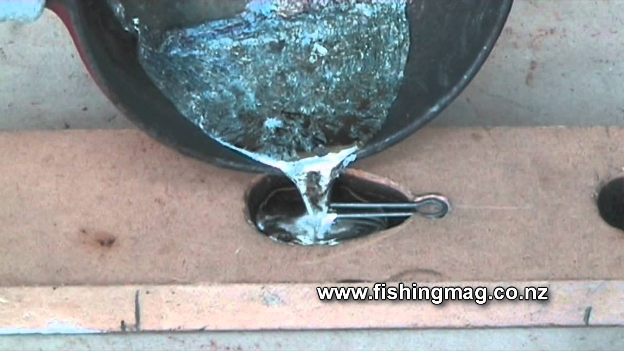 How to make lead fishing surfcasting sinkers youtube for Fishing sinker molds