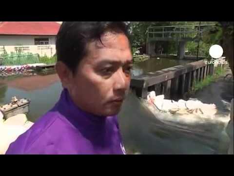 Bangkok Flood Latest News, Thai floods threaten Bangkok