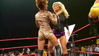 (720pHD): WCW Nitro 10/02/00 - Torrie Wilson & Tygress Catfight/Shane Douglas vs. Mike Awesome