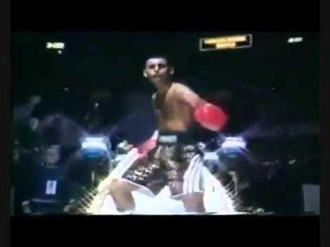 Pakistani Boxer Mujra Dance Very Funny 2011 video