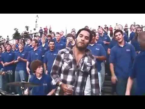 Lenny Kravitz crashes the VOP Choir in New Orleans for