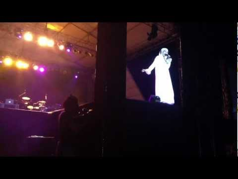 Liza Aulia kutidhieng At Maher Zain Live Concert Aceh video