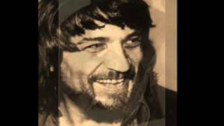 Watch Waylon Jennings Lucille video