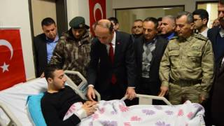 Adıyaman Valisi Abdullah Erin'den Besnili Gazi Hasan Durmuş'a Ziyaret