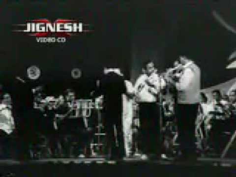 Mohammed Rafi Performing Live - Chahunga Main Tujhe - www.mohammedrafinet...
