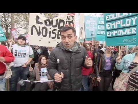 UK student protest disrupted by hardliners
