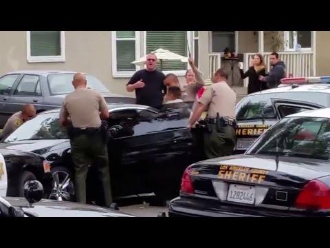 Полицейские в США застрелили водителя 50 выстрелами