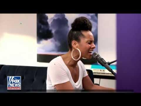 Download  Alicia Keys - Underdog Live iHeartRadio Living Room Concert For America Gratis, download lagu terbaru