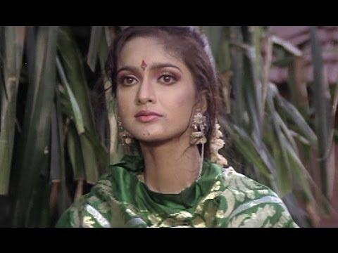 Mukesh Khanna Rescues Shikha Swaroop From A Thug - Lady Robinhood