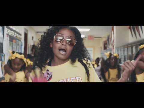Download Brooklyn Queen quotEMOJIquot Official Video