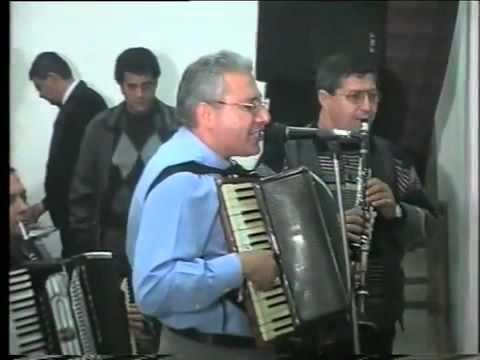 Clip video Neluta Neagu si Stefan de la Barbulesti - Live la nunta in Ditesti 1997 - Musique Gratuite Muzikoo