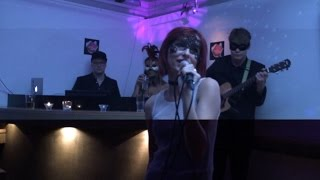 [Johansson - Live performance -  Wicked Game cover] Video