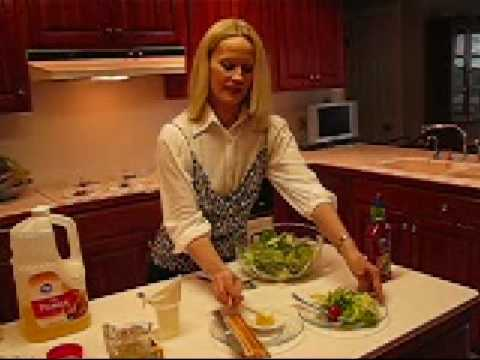 Betty's Essential Fresh Garden Salad Recipe